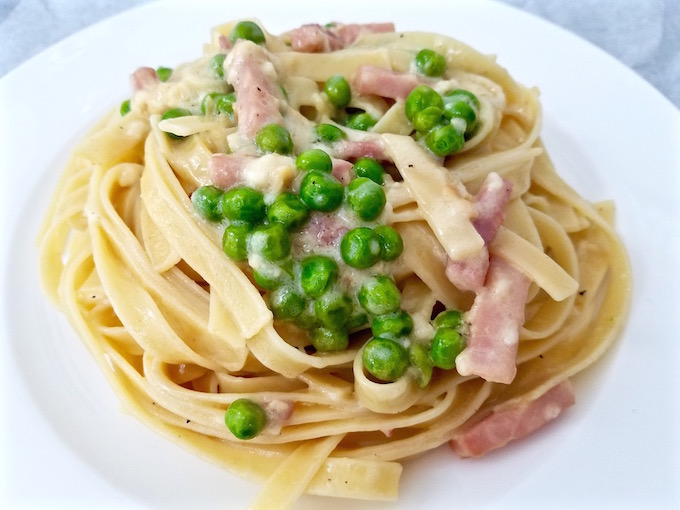 Creamy Fettuccine with Peas and Ham