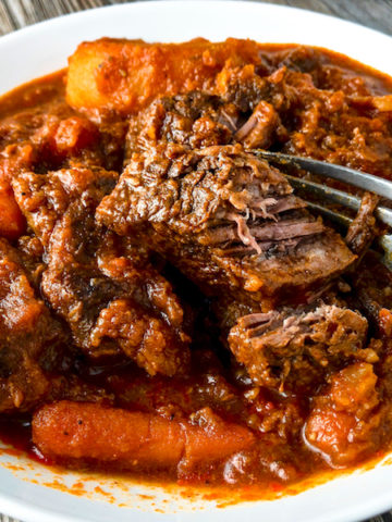 Closeup of a bowl of beef stew.