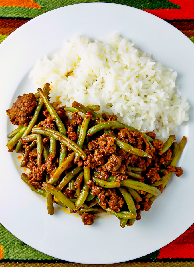 Peruvian dish of string beans with ground beef.